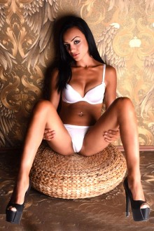 Alexandra zierliches Escortmodel Top Service Anal Sex Berlin