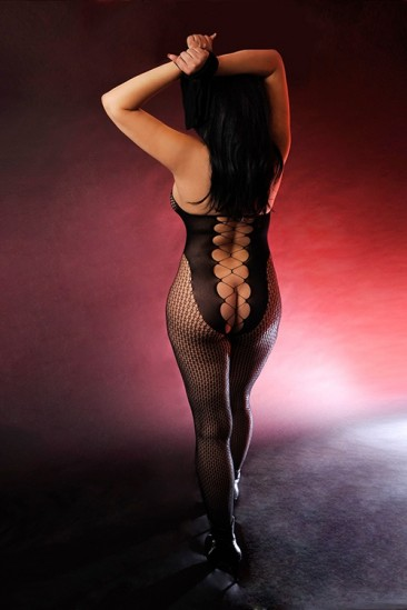 Caribic Tina – Escort Kuba Model mit erotischem Körper