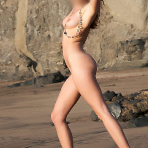 Escort Berlin Model Carla Eierlecken Facesitting beim Sex inklusive