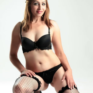 Darina - Blond versaut Escort Model in Berlin für Analsex bestellen