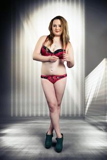 Eleonora – Vollschlankes Sex Model