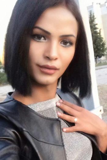 Escort Privat Trans Ladie Kate begeistert mit Oral Sex mit Schutz bei Hotel terminen in Berlin