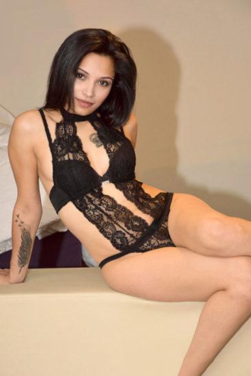 Johanna – Zierliches Escort Girl bietet Beziehung mit Sex in Berlin