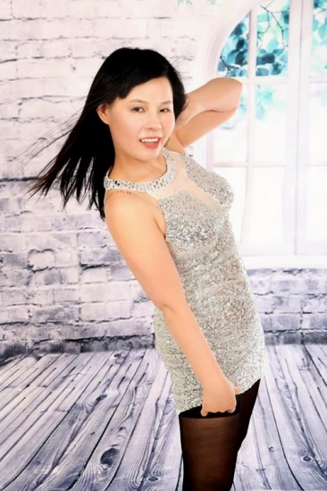 Lan – Without Taboos Small Petite Escort Lady From China