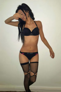 Analsex im Hostel mit zierliche Escort Teen Girl Michelle in Berlin