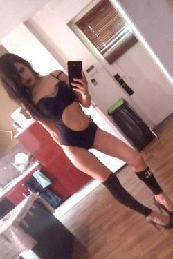 VIP Ladie Queen sehr zierlich Anal Sex Devot Öl Massage uvm. über Escort Berlin bestellen