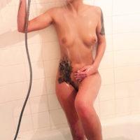 Simone Erotische Escort Dame in Berlin mit sexy roten Lippen sucht Sex